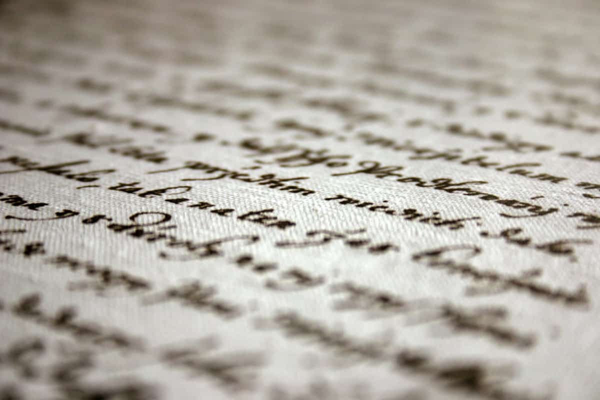 Old handwriting, shallow dof